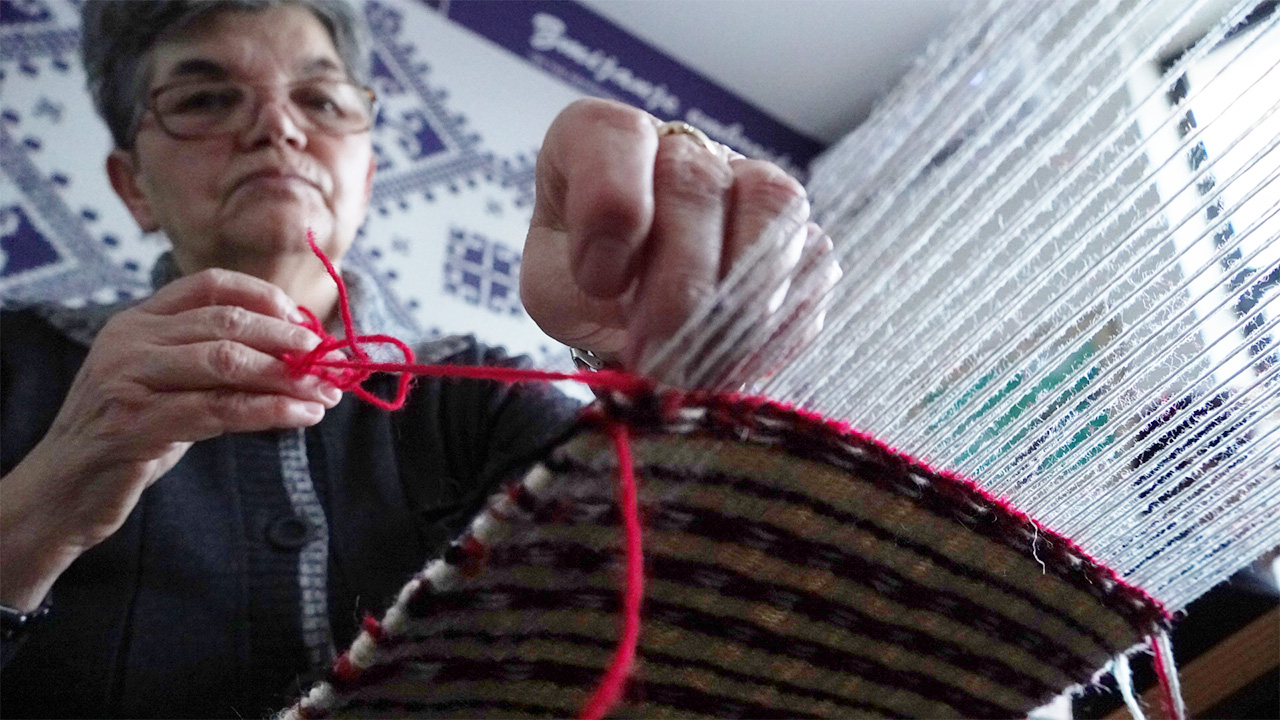 Weaving in Bosnia