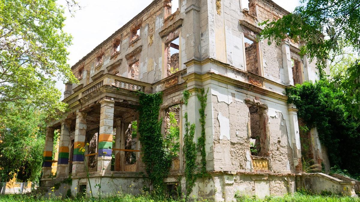 Mostar ruins
